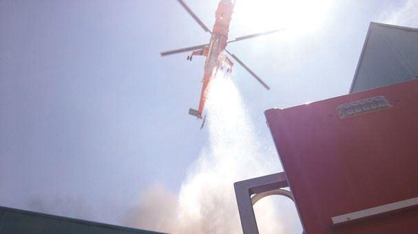 Ölüm, yangın helikopterindeki su ile gelmiş