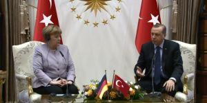 Merkel 'İslamist terör' deyince Erdoğan'dan tepki gördü
