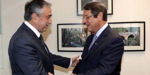Kıbrıs görüşmelerinde gerginlik