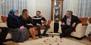 Azerbaycanlı milletvekilinden 15 Temmuz gazisine ziyaret