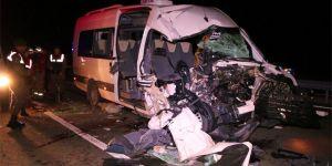 Maç dönüşü kaza: 1 ölü,19 yaralı