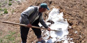 Köylüler, susuzluğu 200 yıldır 'kar bastırarak' çözüyor