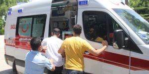 Cinsel istismardan gözaltına alınan zanlıya ambulansta linç girişimi