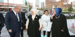 """Emine Erdoğan: """"Bu ülkede darbelere izin vermeyecek bir sistem inşa edeceğiz"""""""