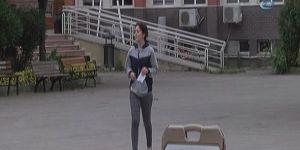 LYS'ye geç kalınca gözyaşları içinde sınav belgesini yırtıp çöpe attı