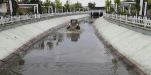 Gölbaşı'nda su kanalları rutin olarak olarak temizleniyor