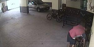 40 saniyede bisiklet hırsızlığı