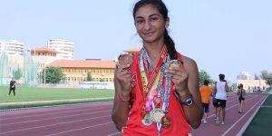 5 yıla üç dünya şampiyonluğu, 102 madalya sığdırdı