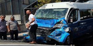 Başkent'te dolmuş EGO otobüsüne çarptı: 9 yaralı