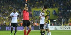 Fenerbahçe Beşiktaş maçının hakemi Ali Palabıyık'a tepkiler sürüyor