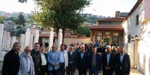 Emir Sultan Türbesinde 92 yıl sonra ilk namaz