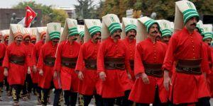 Başkent'te Cumhuriyet Bayramı coşkusu yürüyüşle devam etti