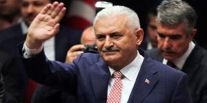 Yıldırım Azerbaycan'da resmi törenle karşılandı