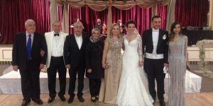 Ünsal ve Akdoğan ailelerinin mutlu günü