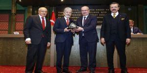 Başkan Tuna, ATO Meclisi Toplantısı'na katıldı