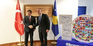 Ahmet Davutoğlu Kosova'da
