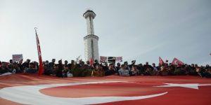 Başkent'te binler Mehmetçik için yürüdü