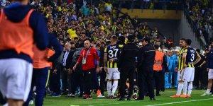 Fenerbahçe - Beşiktaş derbisi tatil edildi