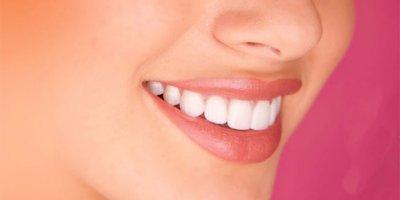 Pembe diş estetiği için diş eti ne kadar önemli