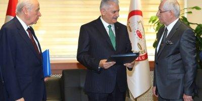 Başbakan Yıldırım ve Bahçeli, Erdoğan için YSK'ya başvurdu