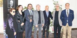 Yılın tiyatrocusu İsmet Numanoğlu seçildi
