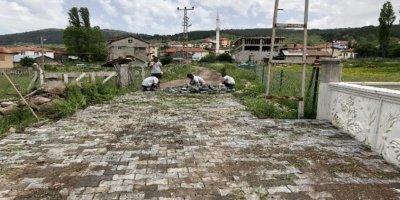 Ankara Kızılcahamam'da kilit taşı döşemeleri başladı