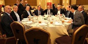 Futbol ailesi iftar yemeğinde buluştu