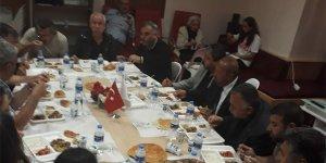 Yıldırım Kaya, Kırşehir Evi'nde iftar yemeği düzenledi