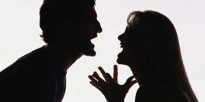 Çocuklar önünde kavga eden anne-babalar dikkat