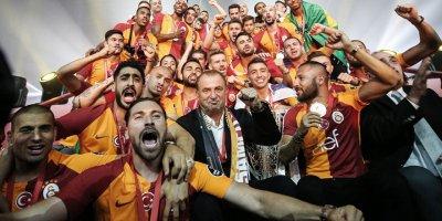 UEFA'dan Fatih Terim'e jest