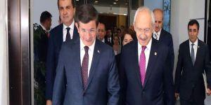 Davutoğlu, Kılıçdaroğlu'nu Twitter takip listesinden çıkardı
