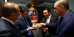 Cumhurbaşkanı Erdoğan, Bulgaristan Dışişleri Bakanı'na sigarayı bıraktırdı