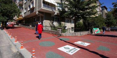 Çankaya Belediyesi yol ve asfaltları renklendiriyor