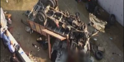 İzmir'deki feci kazada 22 göçmen hayatını kaybetti