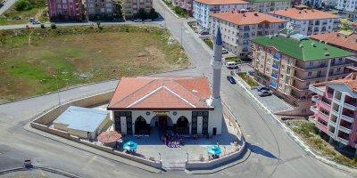 Mamak'ın Osmanlı usulü camileri açılış için gün sayıyor