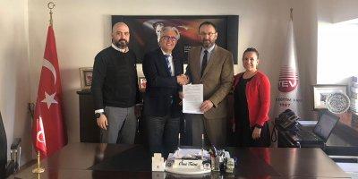 Rotary ve Türk Eğitim Vakfı omuz omuza