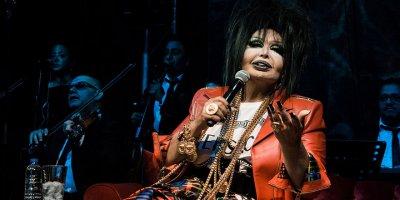 Diva rock yıldızlarına nazire yaptı