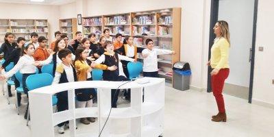 Oya Akın Yıldız Koleji Ferrin İlbay Yalnız'ı konuk etti