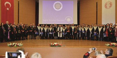 Türk akademi dünyasına 642 doktora mezunu daha