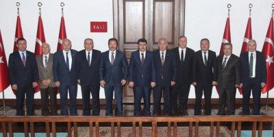 ANKESOB Başkanı Yiğiner, Vali Şahin'e ziyarette bulundu