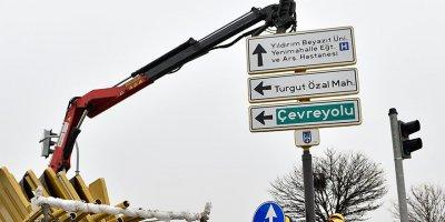 Başkentte yön levhaları yenileniyor