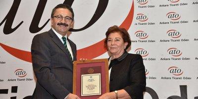 """Başkan Veysel Tiryaki'ye """"Şehir ve Çevrecilik"""" ödülü"""