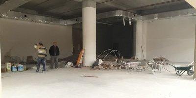 Başkent'te cami duvarı yıkıldı
