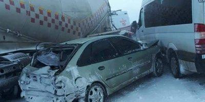 Erzurum'da 20 araçlık zincirleme kaza