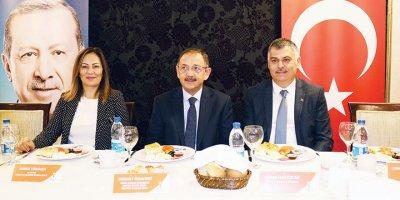 Amber Türkmen: Siyasete değil hizmete talibim