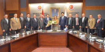 ANKESOB Yönetiminden Ticaret Bakanı Pekcan'a ziyaret