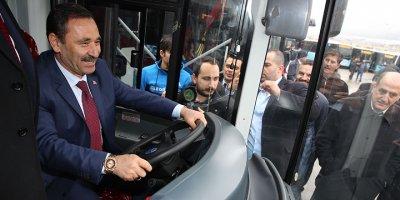 Mavi otobüsler sefere başladı