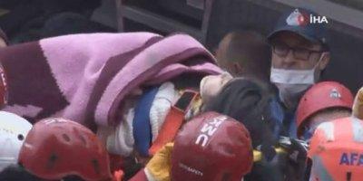 Kartal'daki enkazdan kız çocuğu kurtarıldı