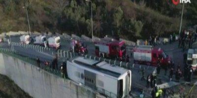 Uludağ'da öğrencileri taşıyan otobüs devrildi