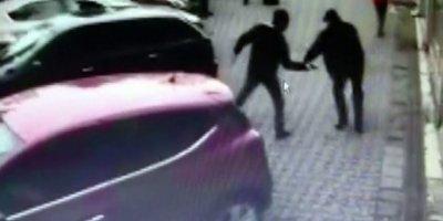 Silahlı saldırı kameralara yansıdı